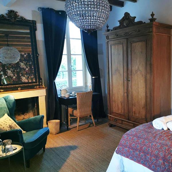 Chambre Julius - Chambres d'hôtes Anjou Val de Loire - Quatre chats sous un pin